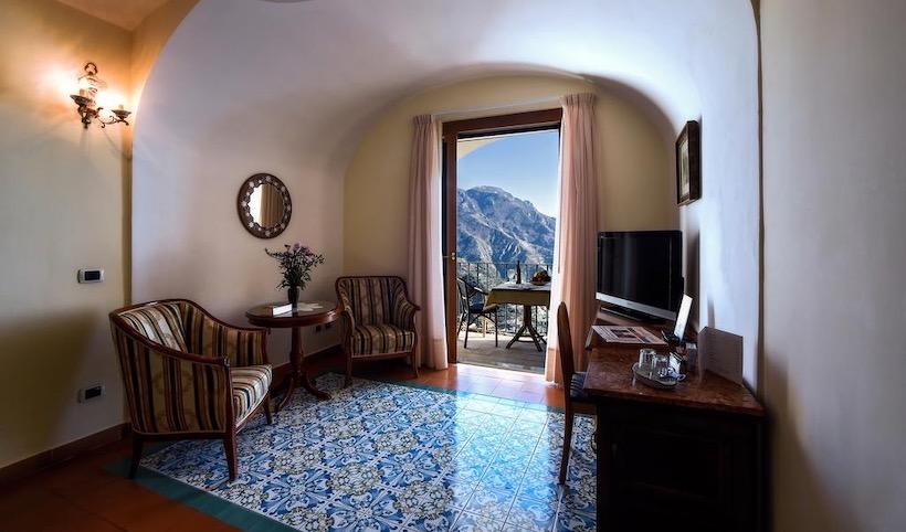 solo travel Italy
